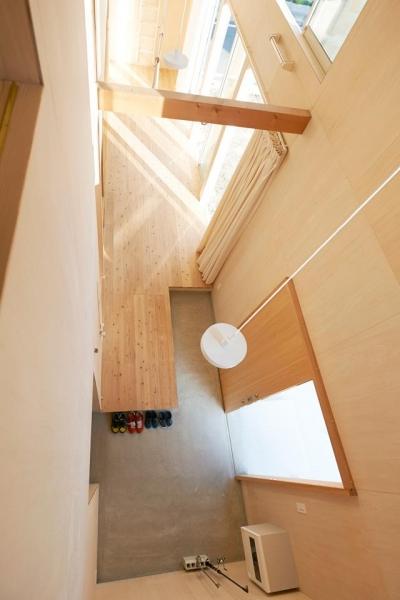瀬戸八王子の家 (上から玄関を見る)