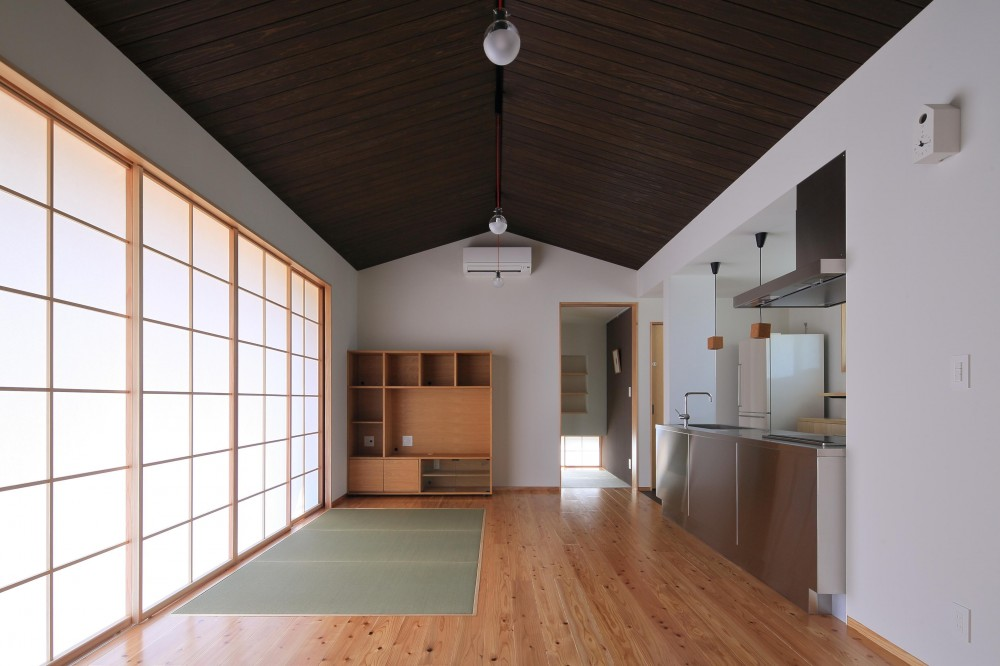 平塚町の家~20坪の豊かな暮らし~ (リビング)