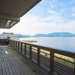 Ocean Fun House (ウッドデッキテラス)