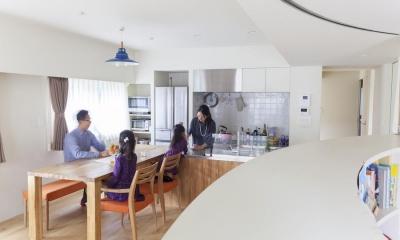 K邸-家族の成長に合わせて変わる、スペースの区切りかた (ダイニング)