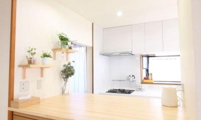 二世帯を楽しむ家 (キッチン~ダイニング 造作カウンター)