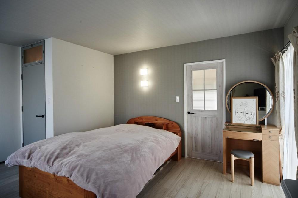 パリのアパルトマン風リノベ (ベッドルーム)