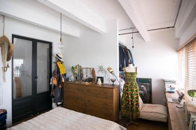 寝室の一部には書斎とクローゼット (わさび(♂)オミソシル(♀)とアンティーク)