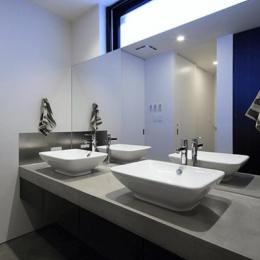 Yレジデンス (ダブルボウルのある洗面室)