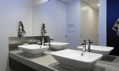 ダブルボウルのある洗面室|Yレジデンス