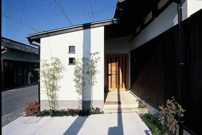 アプローチ (上福原の家)