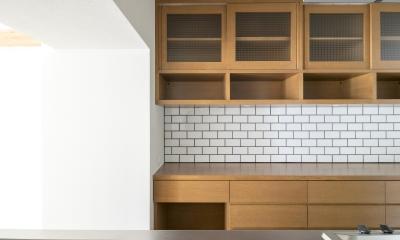 子どもの小上がりのある家 すくすくリノベーションvol.9 (食器棚とカップボードはオーク突板仕上げ)