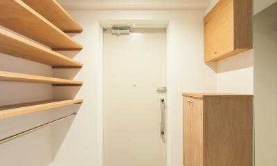 子どもの小上がりのある家 すくすくリノベーションvol.9 (玄関の収納はラワンで製作)