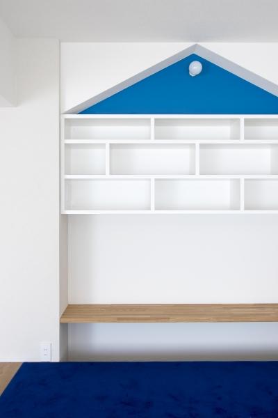 三角ニッチ収納 (子どもの小上がりのある家 すくすくリノベーションvol.9)
