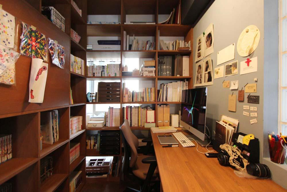 dot.の部屋 ブックシェルフに囲まれた書斎