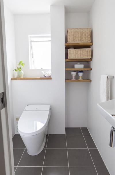 トイレ (自宅兼アトリエ、美しく見せる区分けの秘密)