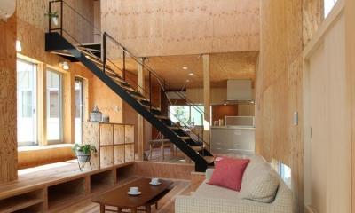 開放的なリビング|三葛の家
