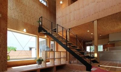 三葛の家 (インパクトのある階段)