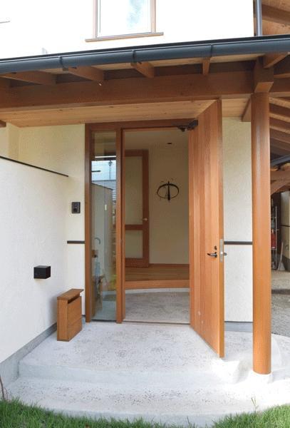 河口湖の舎Ⅱの部屋 木を感じる玄関