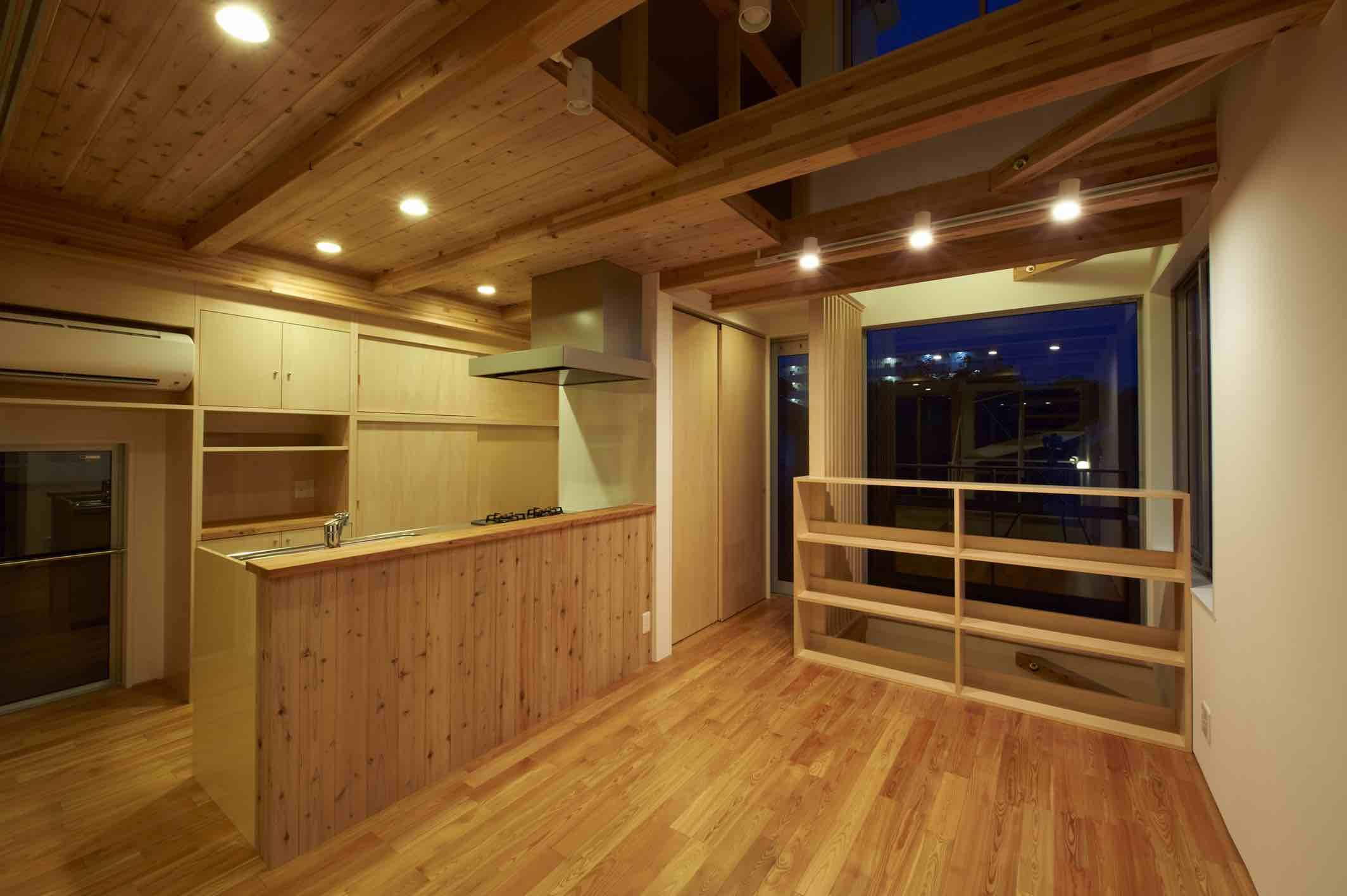 上水の家の部屋 木を感じるキッチン