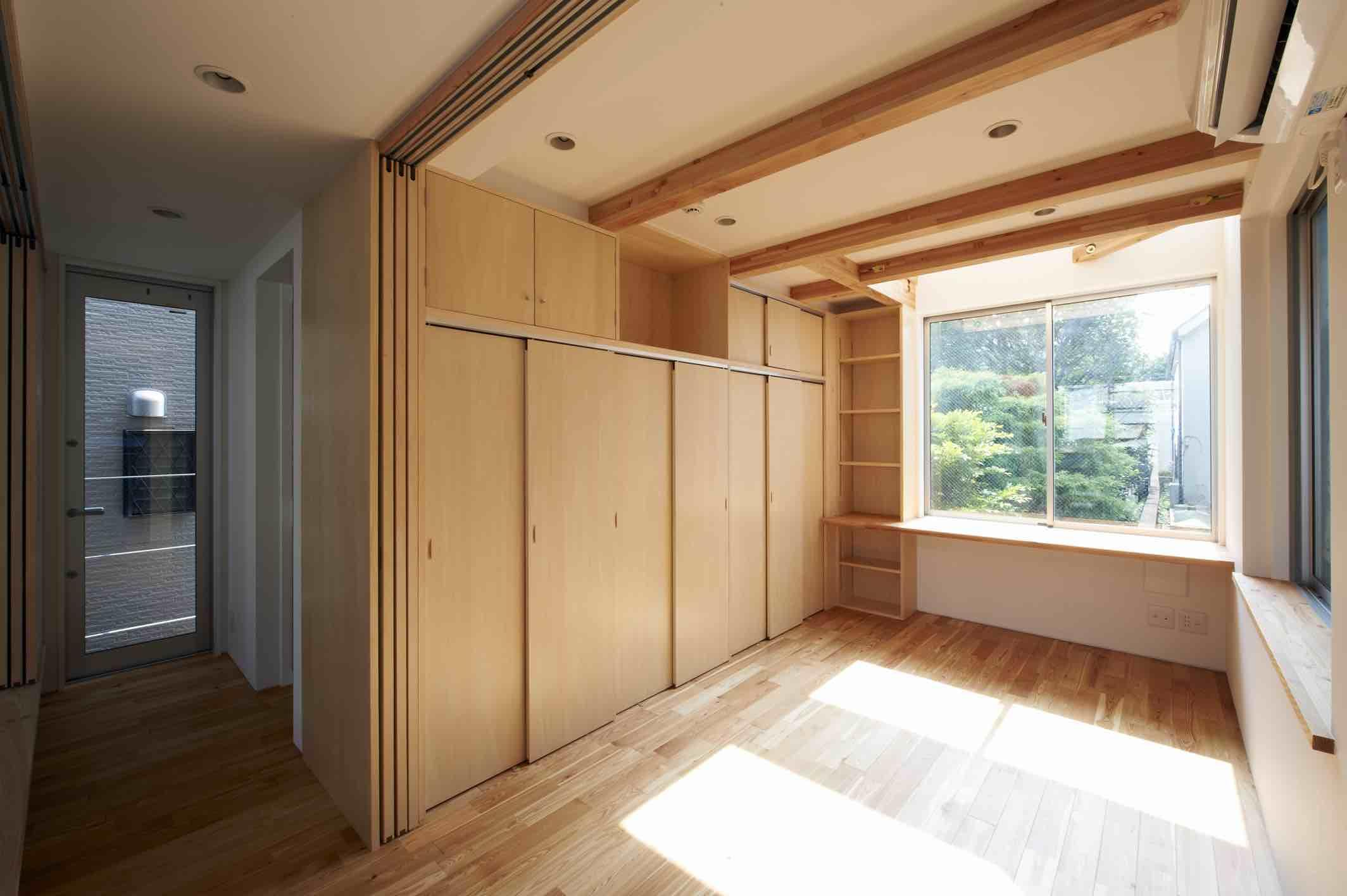 上水の家の部屋 可動仕切りのある寝室
