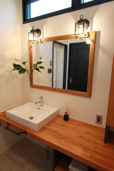 自分好みのオリジナル洗面台 (心からくつろげる、大人のカフェ風住宅 「Pino-836」)