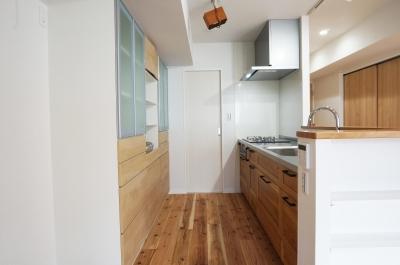 キッチン (見えない所で高性能を追求。「住み心地はこんなに変わるなんて!」)