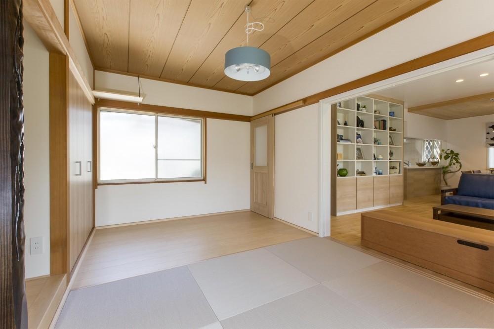 青が冴えるナチュラルテイスト空間「Blue door」 (仕切り戸を開け放てば和室とも繋がります)