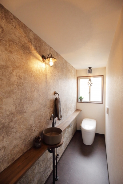 トイレ (大正レトロの風が吹く「r_edge」)