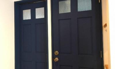 S様邸 本厚木 / 戸建リノベーション (ブルーの扉がアクセントに)