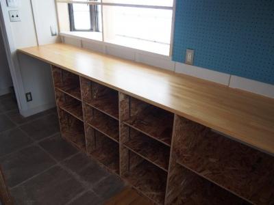 Y様邸 本厚木 / 戸建リノベーション (キッチンにある収納棚)
