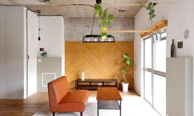リビング|素材を活かしたインダストリアルデザインマンション「North Pine」