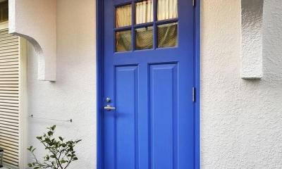 玄関|古い建物に、自分たち流のスパイスをMIX!!