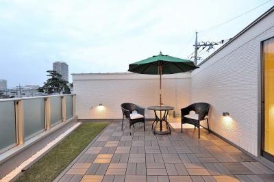 都心を見渡せる3階屋上 (理想の立地と理想の間取り。 リノベで憧れの空間を手に入れる!)