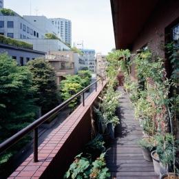 赤坂の家 (赤坂の家 バルコニー)