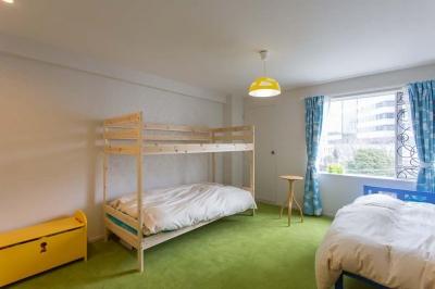 すっきりとした子供部屋 (最高のリノベで手に入れた 家族みんなで一緒に過ごせる広々空間)