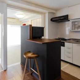 家具をなるべく置かずシンプルに、 自分たちらしい居心地のいい空間にしたい。 (キッチン)