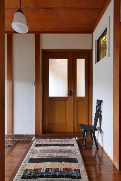 都会から田舎へ、ゆったりと暮らすカフェハウス (玄関)