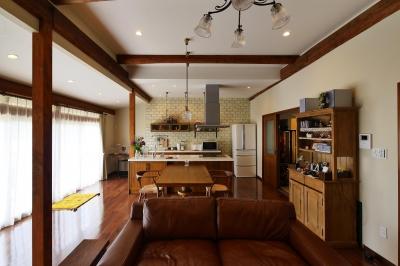 都会から田舎へ、ゆったりと暮らすカフェハウス (LDK)