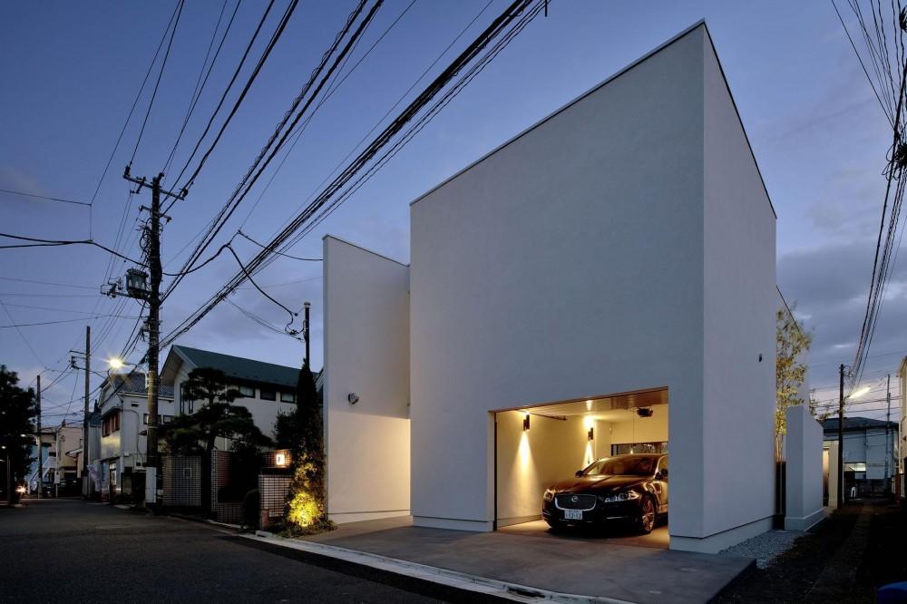 ミニマムな全景 (浜田山の家-ギャラリースタイルの家、ミニマリズムの調べ-)