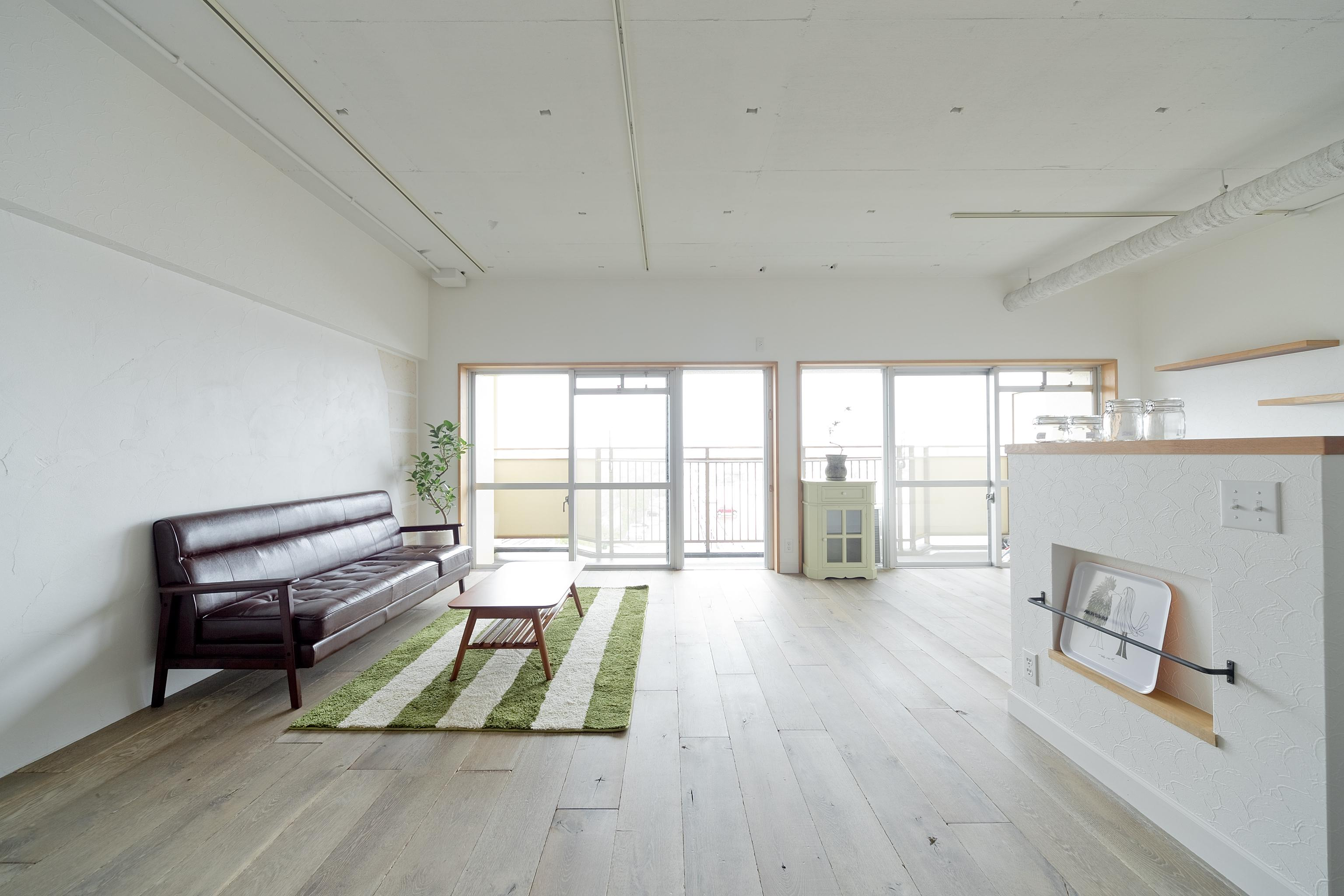 東加古川のリビング、キッチンリフォーム事例|ヴィンテージスタイルの住まいの部屋 3LDKだった間取りを1LDKの開放感がある空間に