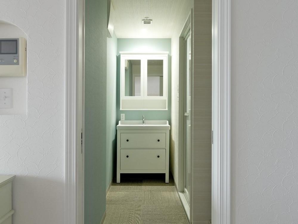 東加古川のリビング、キッチンリフォーム事例|ヴィンテージスタイルの住まい (シンプルな洗面台)