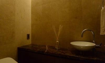 ホテルライクに暮らすリノベーション (POWDER ROOM)