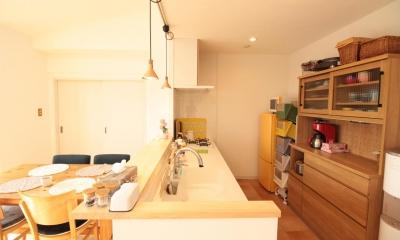 冬でもあったか!パイン無垢フローリングのカフェみたいな家 (キッチン)