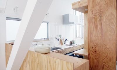 10mの家 (2階キッチン1)