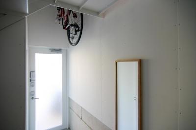 10mの家 (1階玄関2)