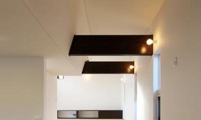 すべり台のあるスキップフロア|鶴岡の家