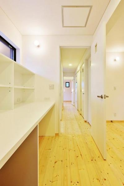 鶴岡の家 (廊下)