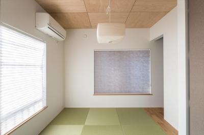 夫婦寝室 (築90年の木造住宅を二世帯にリノベーション:『横須賀市久里浜・戸建二世帯リノベーション』)