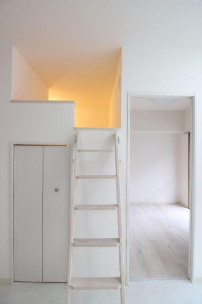 子供部屋 (ロフト+W.I.C.のある、よくばり1DK!30平米の空間を有効利用。)