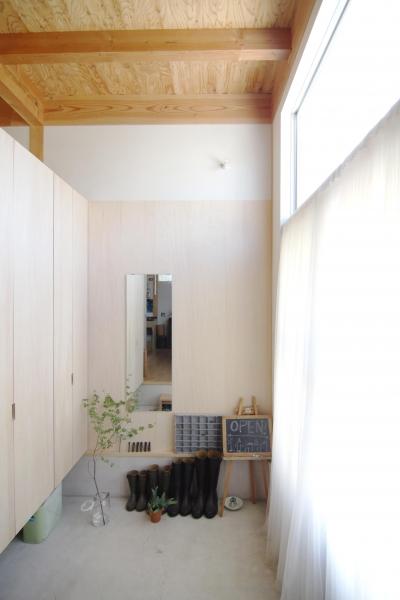玄関1 (木造の家)