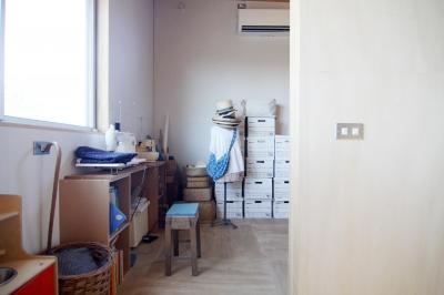 木造の家 (寝室1)