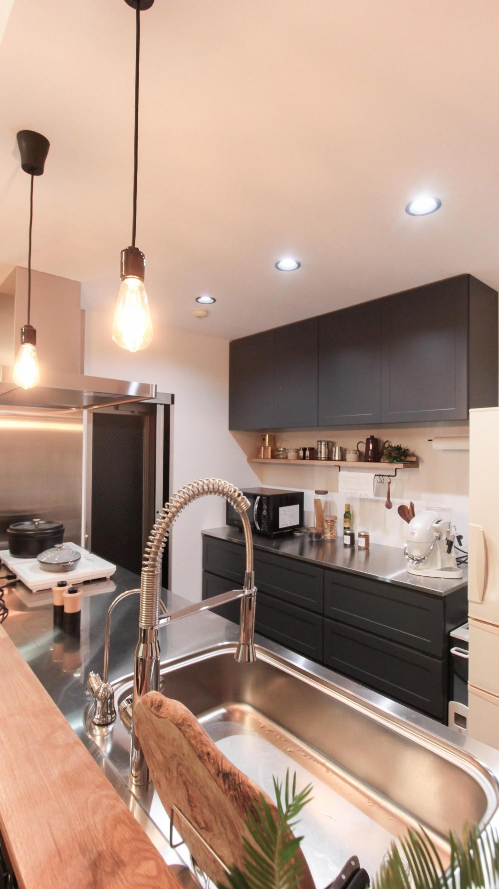 変えたのはキッチンだけ!LDKが大きく変わったリノベーション (キッチン周りのコーディネート)