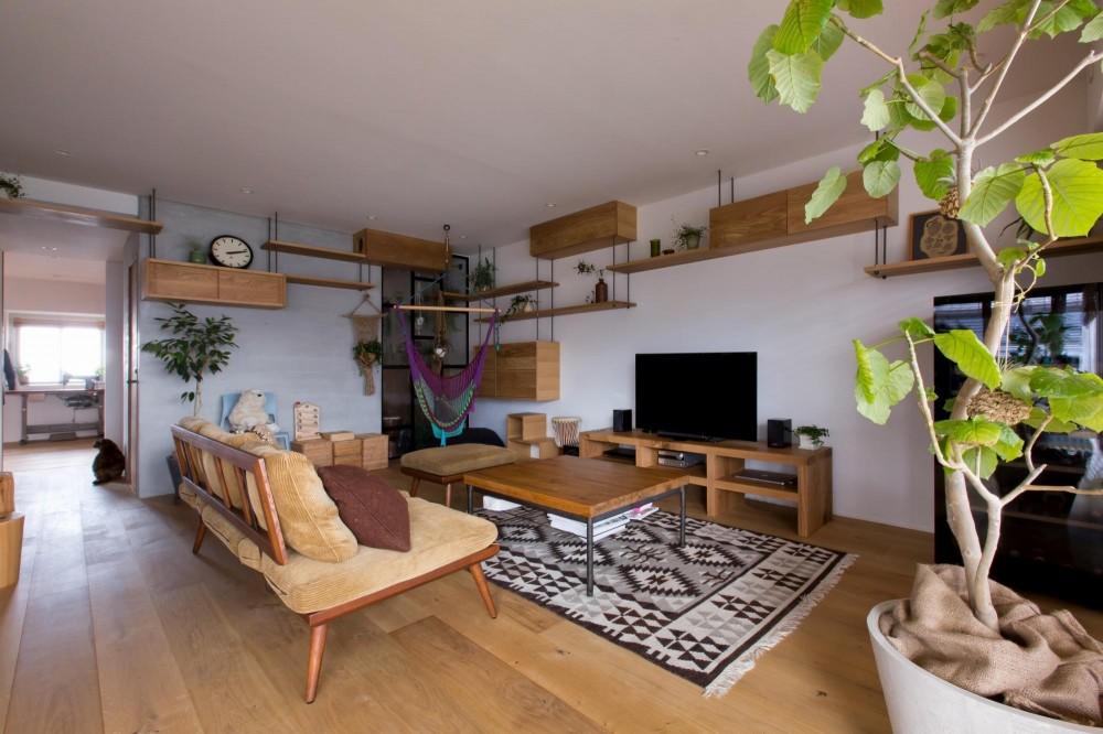 猫と植栽と家具をテーマにしたマンションリノベ(におの浜マンションリノベーション) (におの浜マンションリノベーションリビング)