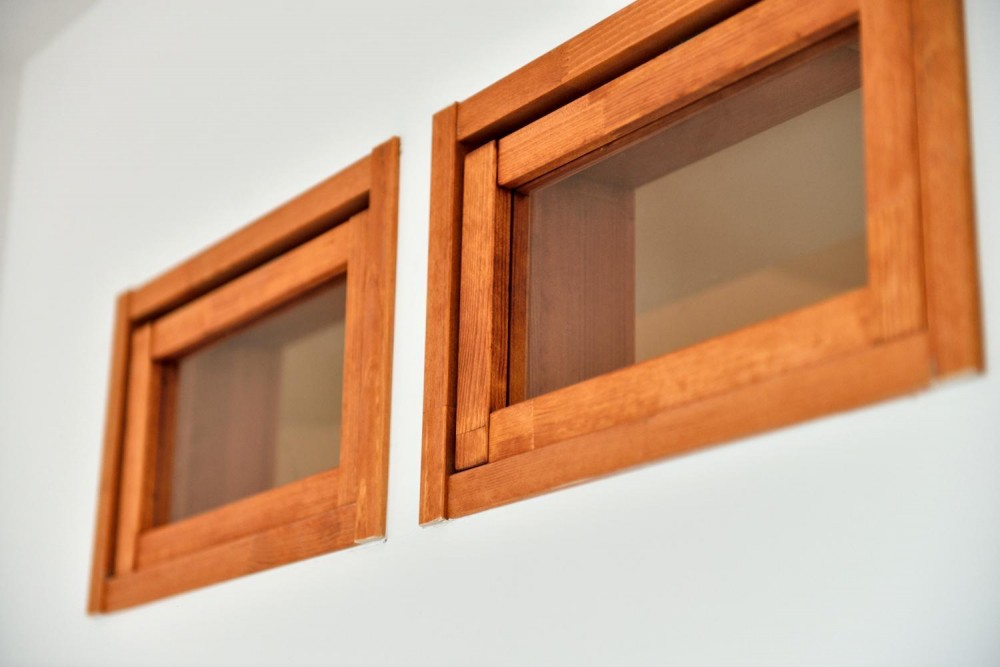 シンプル&インダストリアル。変則1LDKで始まる家族のリノベ暮らし (かわいらしいパイン材室内窓)
